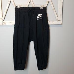 NIKE INTERNATIONAL Low Crotch capris S